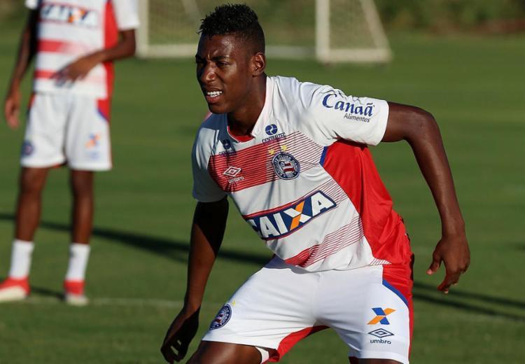 Lateral-esquerdo titular, Léo é um dos reforços que o time ganha - Foto: Felipe Oliveira l EC Bahia