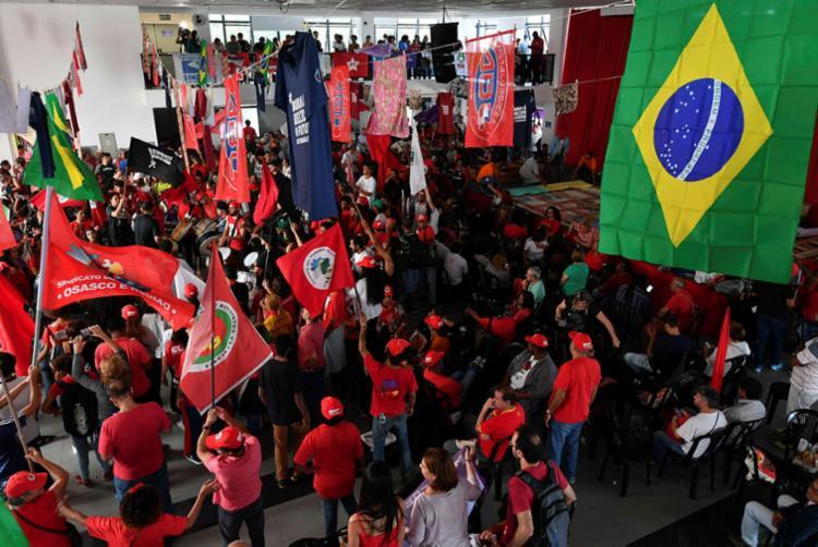 Últimas mobilizações conjuntas das maiores centrais do Brasil ocorreram durante a greve geral do ano passado - Foto: Nelson Almeida   AFP