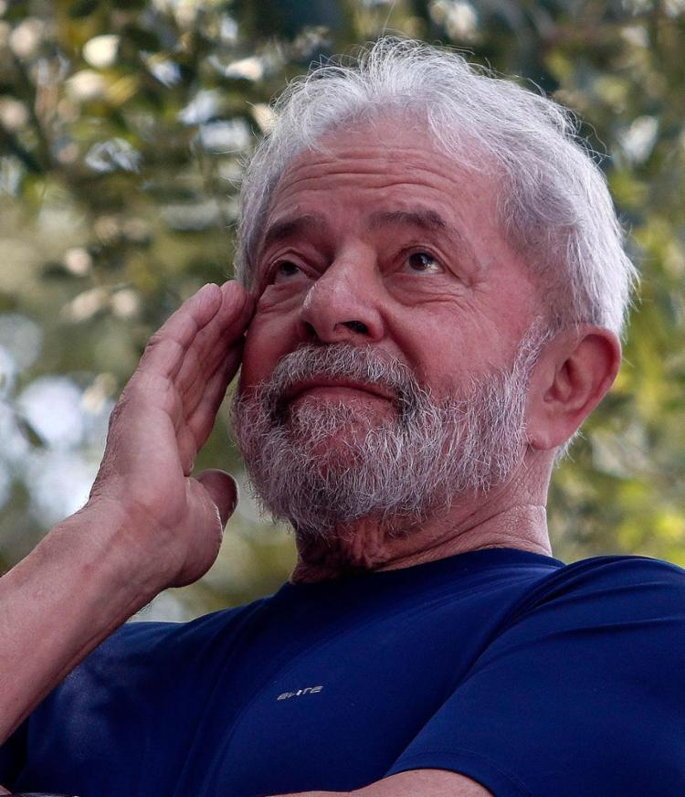 Após entrar no sindicato, Lula relatou que teve uma ligeira queda de pressão - Foto: Miguel Sachincariol l AFP
