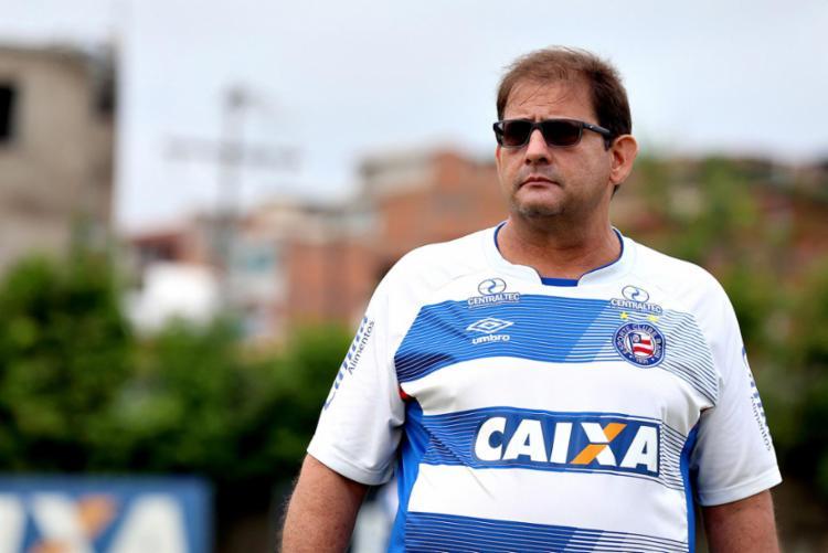 Segundo assessoria do clube, Guto fez várias visitas a mãe, quando estava internada - Foto: Felipe Oliveira | EC Bahia