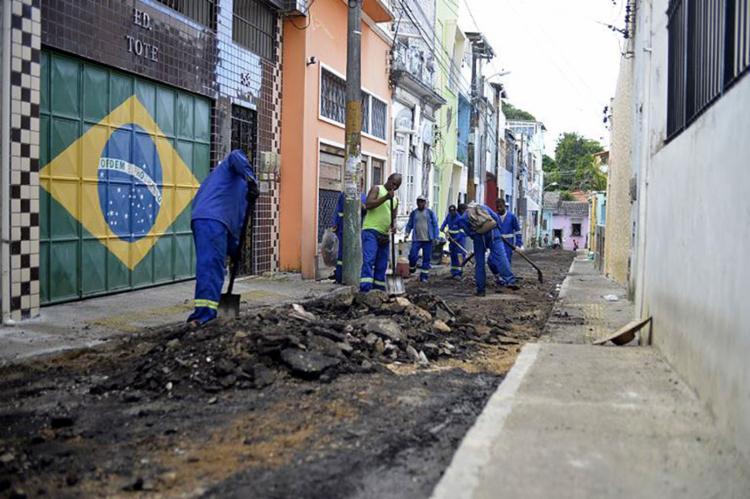 Intervenção no Santo Antônio Além do Carmo, na rua dos Ossos - Foto: Shirley Stolze l Ag. A TARDE