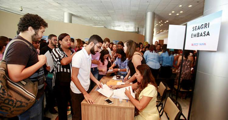 Em abril do ano passado, mais de 5.800 jovens foram contratados - Foto: Luciano da Matta | Ag. A Tarde