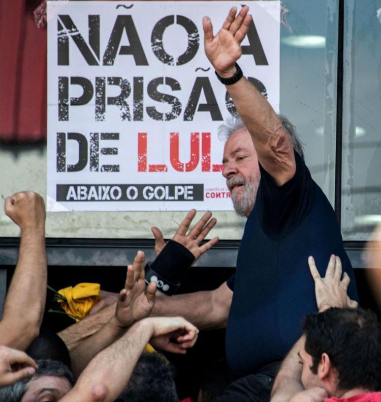 Lula cumpre pena de 12 anos e um mês de reclusão no processo do triplex do Guarujá - Foto: Nelson Almeida | AFP