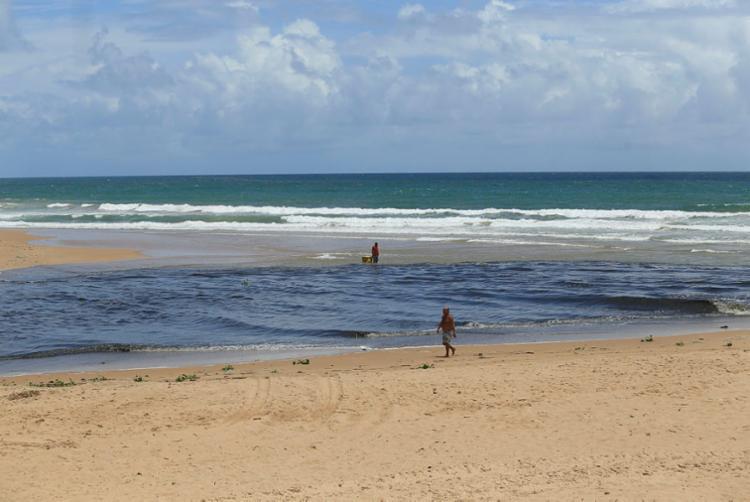Patamares é uma das praias que devem ser evitadas neste fim de semana - Foto: Alessandra Lori | Ag. A TARDE