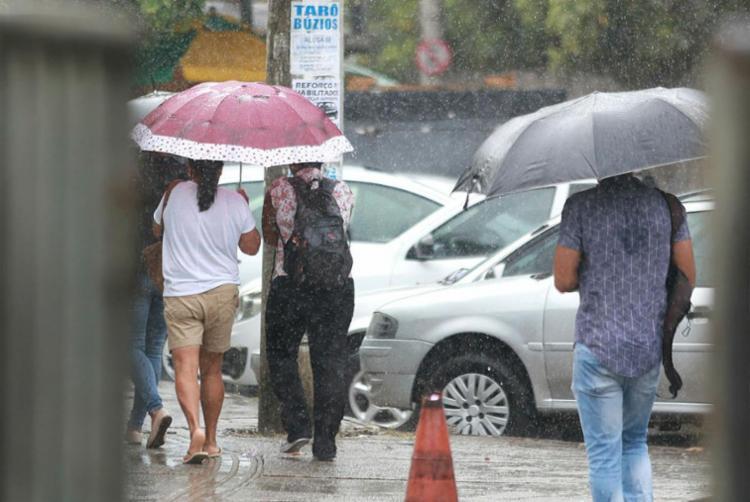 Soteropolitanos podem esperar tempo nublado com pancadas de chuva nos próximos dias - Foto: Joá Souza | Ag. A TARDE