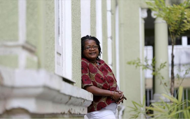 A socióloga Vilma Reis aponta caminhos para um país menos racista - Foto: Raul Spinassé / Ag. A TARDE
