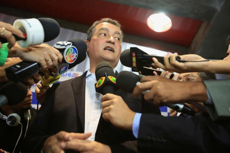 Rui se encontrou com o ministro Valter Casimiro para tratar da liberação da duplicação da BR-415 - Foto: Joá Souza | Ag. A TARDE | 29.10.2015