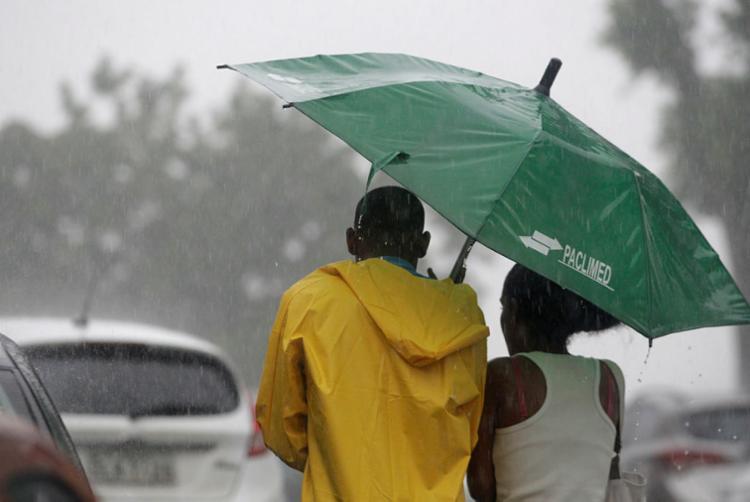 Chuva atinge Salvador desde a madrugada desta quarta, 18 - Foto: Raul Spinassé   Ag. A Tarde