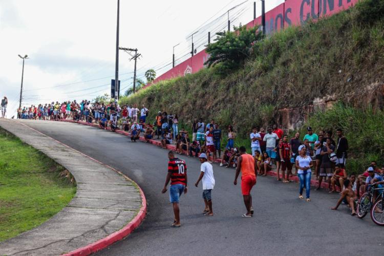 Fila de torcedores aguardando a compra dos ingressos - Foto: Divulgação | E.C Vitória