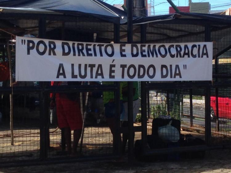Ocupantes lutam pelo direto da democracia