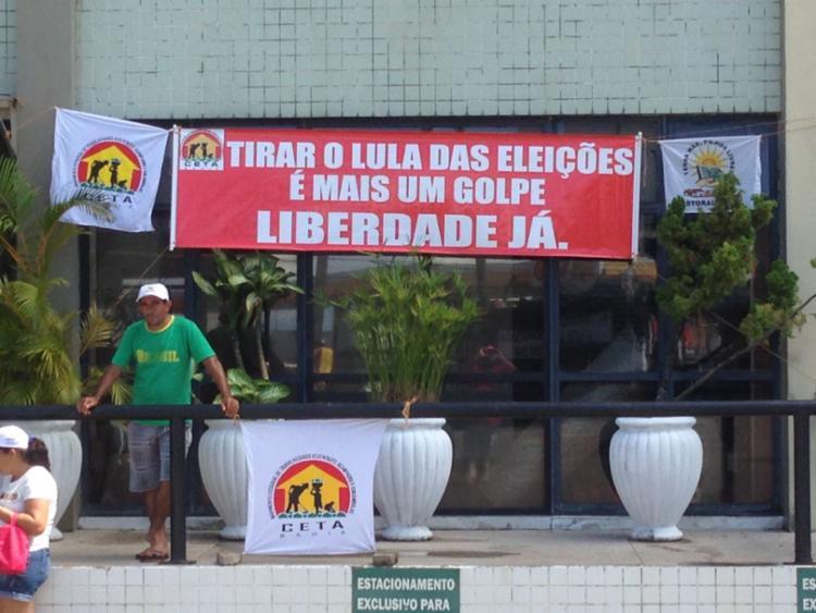 Manifestantes pretendem participar de outro ato nesta quarta contra a prisão de Lula