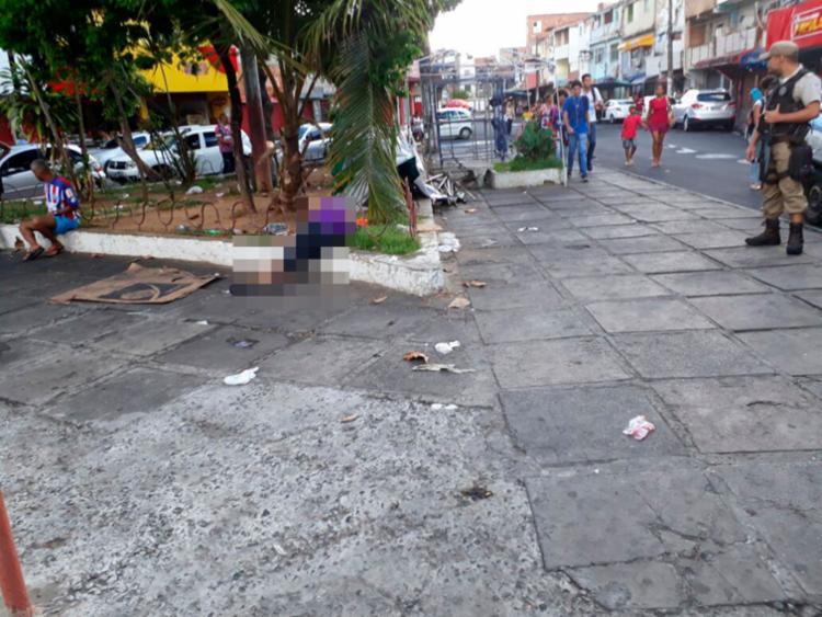 Testemunhas relataram que vítima foi baleada ao descer de um carro - Foto: Daniel Mota | Sindicato dos Rodoviários
