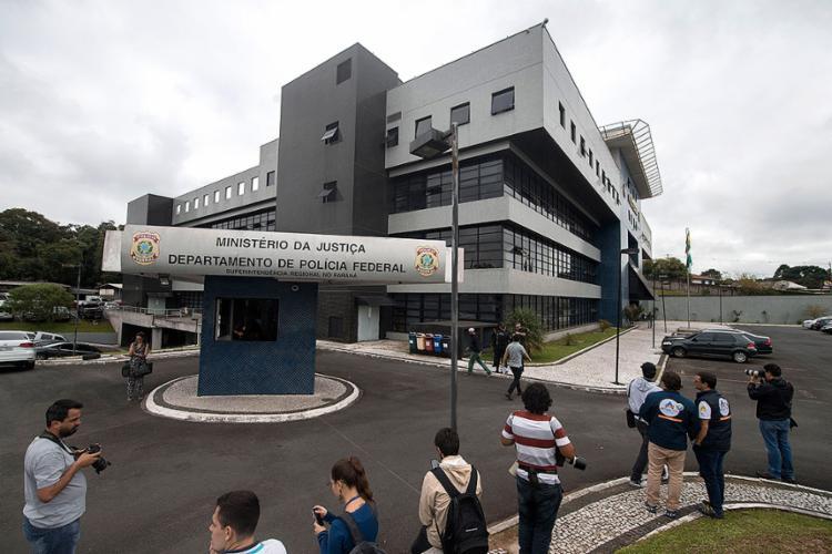 Sede da Polícia Federal em Curitiba - Foto: Mauro Pimentel l AFP