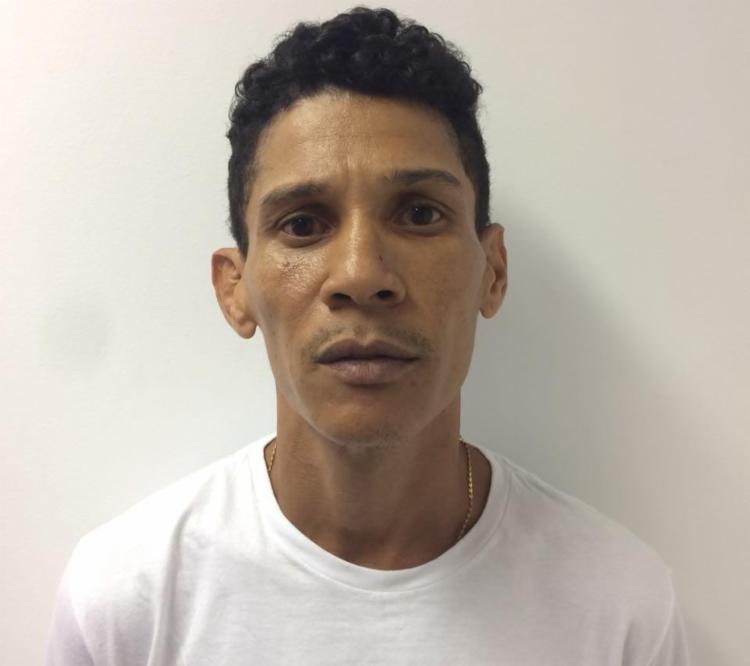 Cléber saía da casa da filha, em Sussuarana, quando foi detido - Foto: Divulgação | Polícia Civil