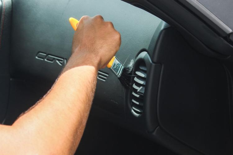 Higienização evita cheiros, manchas e bactérias no interior do carro - Foto: Divulgação