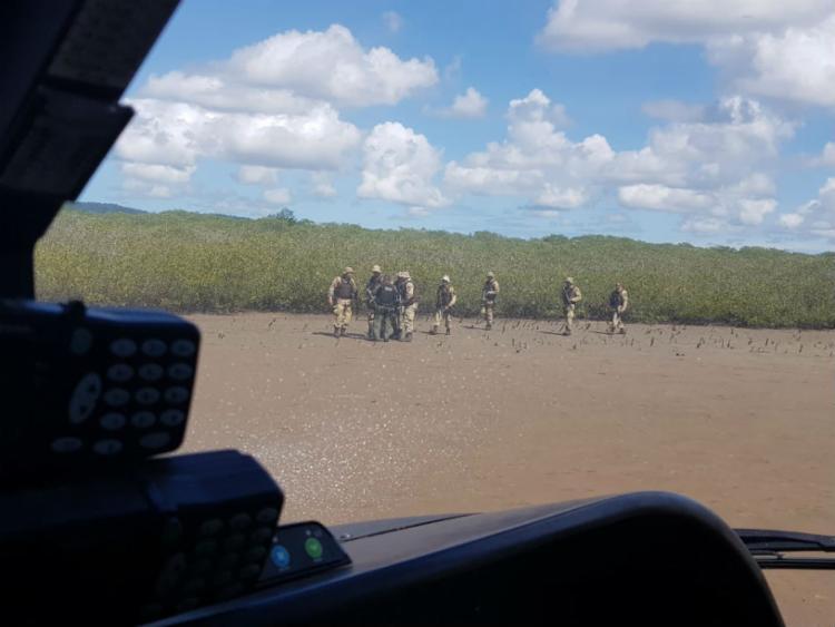 Equipes policiais durante operação para localizar o suspeito - Foto: Divulgação | SSP