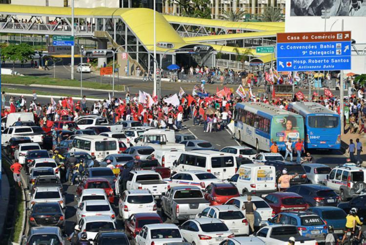 Tráfego na região do Shopping da Bahia será monitorada - Foto: Shirley Stolze | Ag. A TARDE |