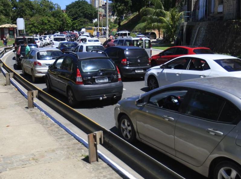Trânsito ficou congestionado durante protesto