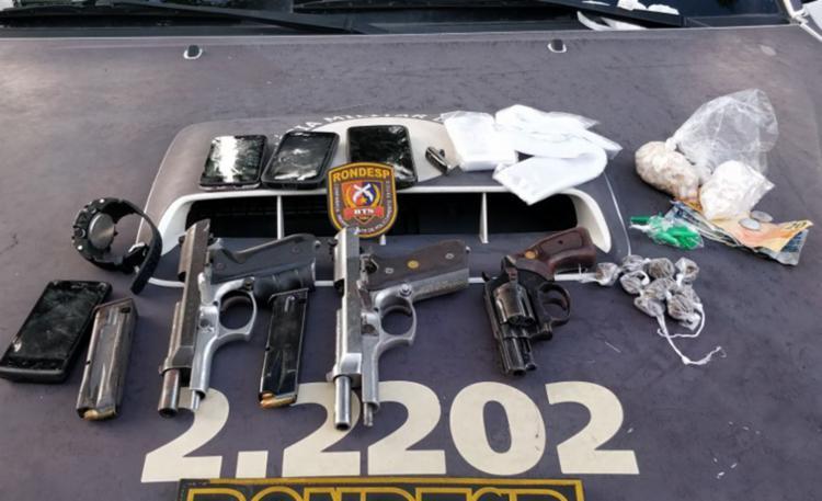 Armas, munições e drogas foram apreendidos pela polícia - Foto: Divulgação   SSP