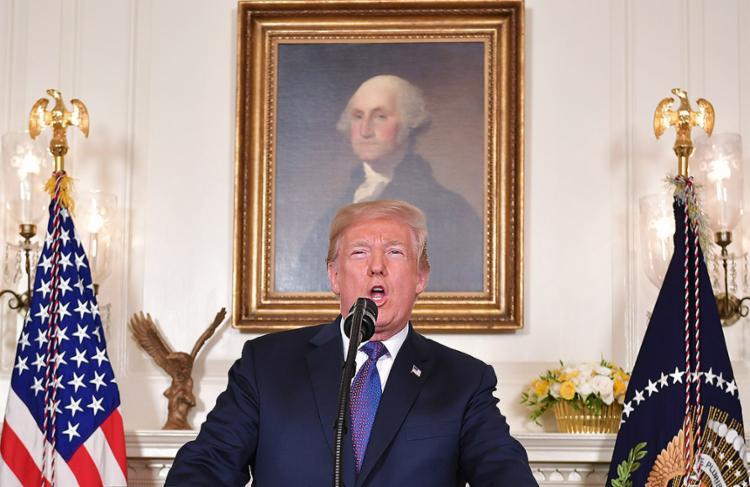 Presidente dos EUA cumpre ameaça e faz bombardeios, com apoio de Inglaterra e França - Foto: Mandel Ngan l AFP