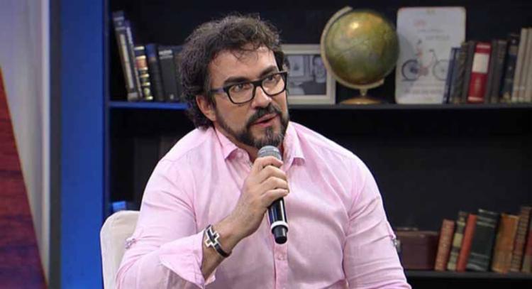 O Padre Fábio de Melo enfrenta síndrome de pânico, distúrbio que ele descobriu em 2017 - Foto: Reprodução | RedeTV
