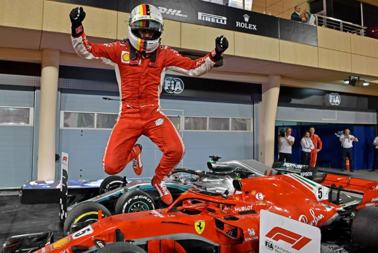Sebastian Vettel, da Ferrari, é líder do Campeonato Mundial de Fórmula 1 - Foto: Andrej Isakovic | AFP