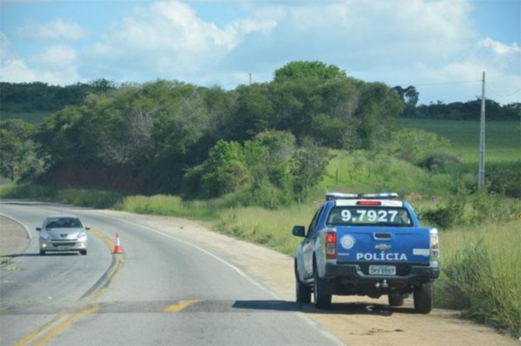 Carro foi encontrado em estrada vicinal entre Anagé e Sussuarana - Foto: Reprodução | Blog do Anderson