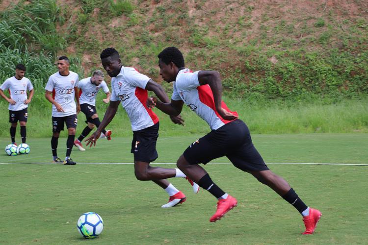 Denílson e Kanu serão titulares do Vitória mais uma vez nesse Campeonato Brasileiro - Foto: Maurícia da Matta l EC Vitória