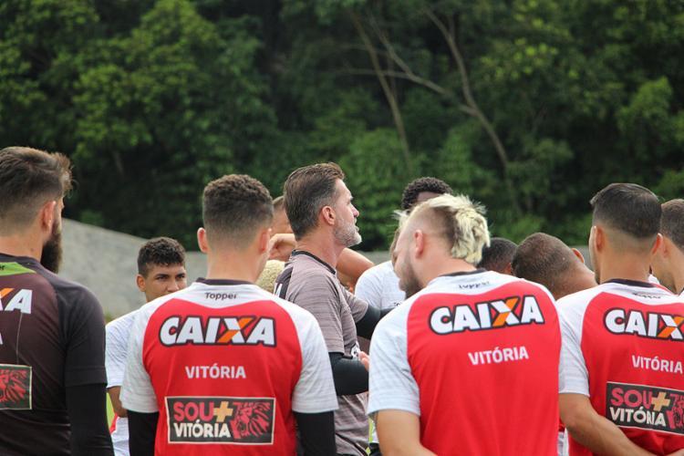 Treinador está otimista sobre a possibilidade de usar todos os atletas na final de domingo - Foto: Maurícia da Matta l EC Vitória