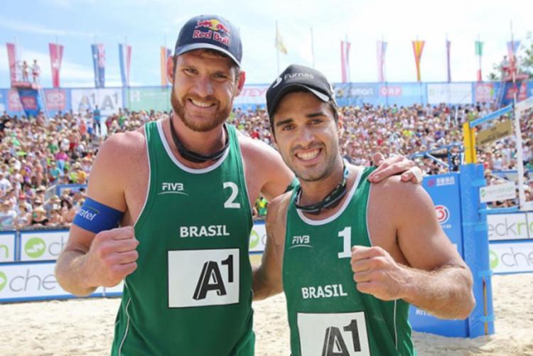 Essa foi a primeira medalha conquistada pelos dois brasileiros nesta temporada - Foto: Divulgação