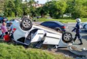 Acidente com carro da Uber deixa dois feridos na ACM | Foto: Felipe Santana | Ag. A TARDE