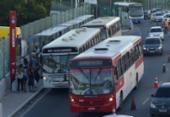 Ponto de ônibus em viaduto deixa trânsito lento e desagrada usuários | Foto: Shirley Stolze | Ag. A TARDE