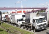 Caminhoneiros fecham parcialmente rodovias em sete localidades da Bahia   Foto: Luciano da Matta   Ag. A TARDE