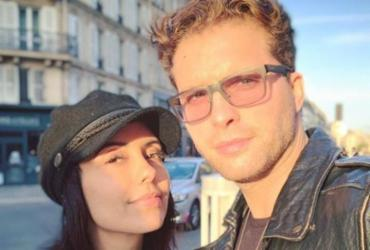 Após cirurgia, ator Thiago Fragoso curte Paris com a mulher | Reprodução