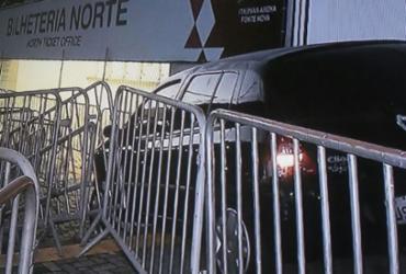 Motorista perde controle de carro e invade bilheteria da Fonte Nova | Reprodução | TV Record