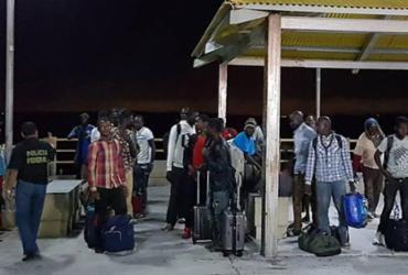 Barco à deriva com 25 imigrantes e 2 brasileiros é resgatado no Maranhão   Divulgação   Governo do Maranhão