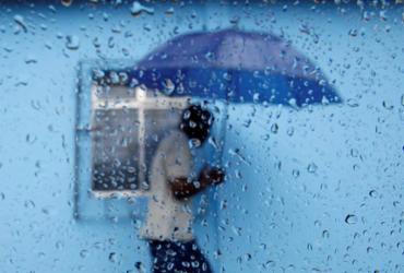 Chuva aumenta risco de queda de energia e de danos em equipamentos | Raul Spinassé | Ag. A TARDE
