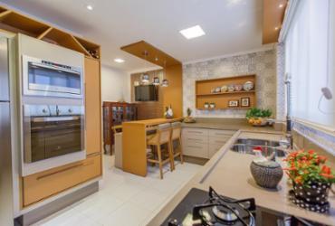 Cozinhas de estilo clássico têm espaço garantido na decoração | R. Vieira l Divulgação