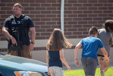 Dois feridos em ataque a tiros a escola; suspeito está sob custódia | Kevin Moloney l Getty Images l AFP