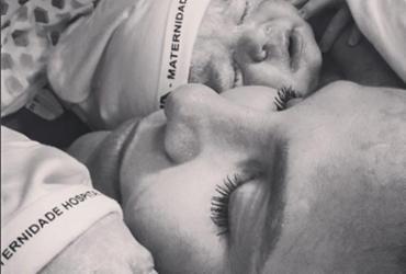 Ivete Sangalo compartilha momento de amamentação da filha; Veja foto | Arquivo Pessoal