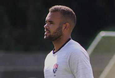 José Welison diz que aceita ser improvisado, mas prefere o meio-campo | Mauricia da Matta | EC Vitória