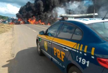 Caminhoneiros voltam a bloquear rodovias do CIA e da Via Parafuso   Divulgação   PRF