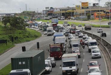 Acidente deixa transito lento na Avenida Juracy Magalhães | Xando Pereira | AG A TARDE