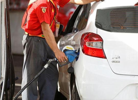 Postos da capital baiana já estão sem combustíveis, diz sindicato | Luciano da Matta | Ag. A Tarde.