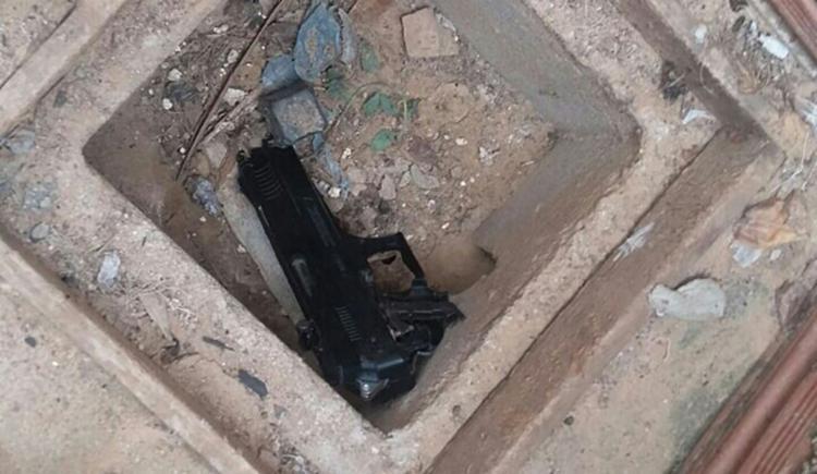 Pistola de pressão foi encontrada na casa de um dos suspeitos - Foto: Divulgação | SSP-BA