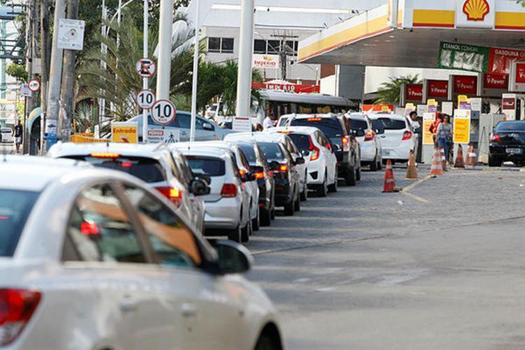 Apenas 20% dos postos ainda têm combustível em Salvador - Foto: Luciano da Matta | Ag. A TARDE