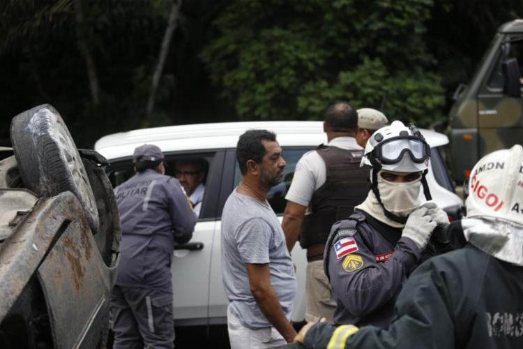 Motorista acompanha o trabalho do Salvar | Foto: Raul Spinassé | Ag. A TARDE