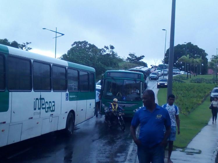 Acidente provocou congestionamento na região - Foto: Alessandra Lori | Ag. A TARDE