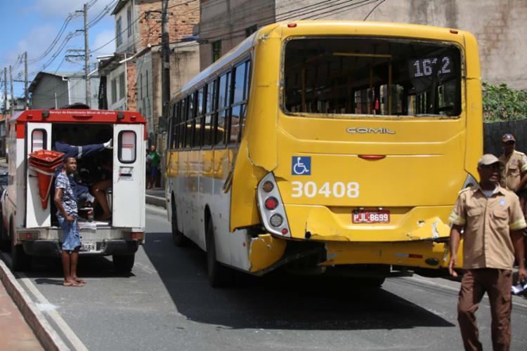 Vítimas foram atendidas pelo Samu - Foto: Joá Souza | Ag. A TARDE