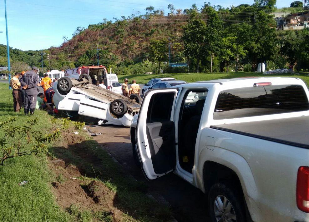 Motorista da Amarok também ficou ferida em acidente